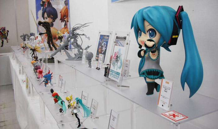 ホンダの萌えアニメとフィギュア展示会