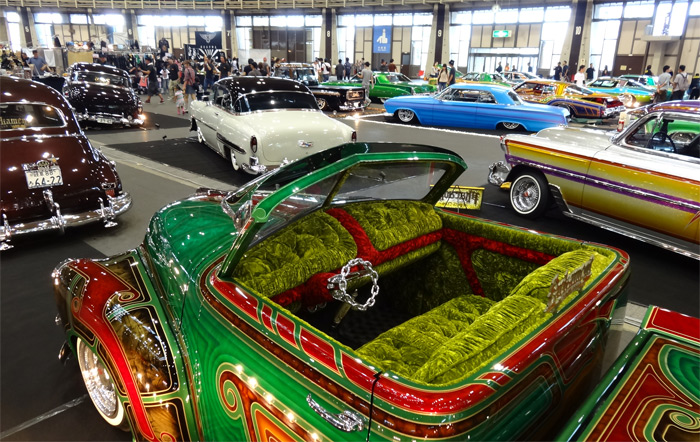 SPEED AND CUSTOM SHOW
