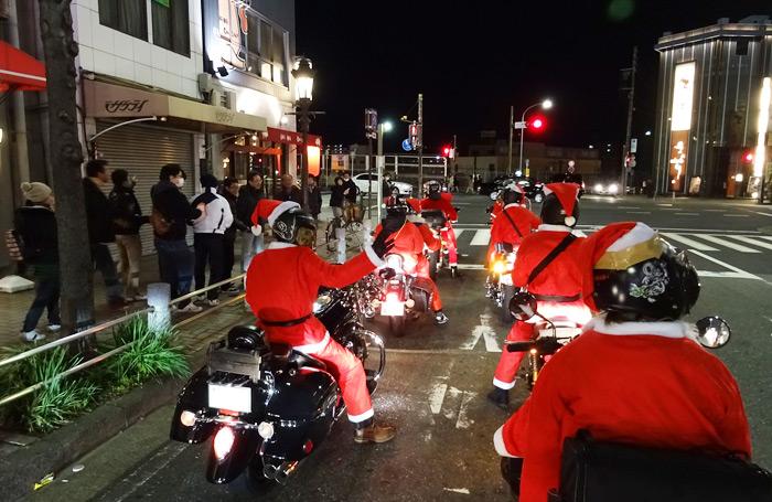 サンタ パレード