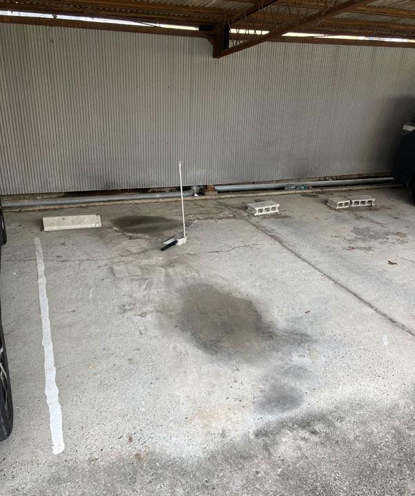 駐車場掃除