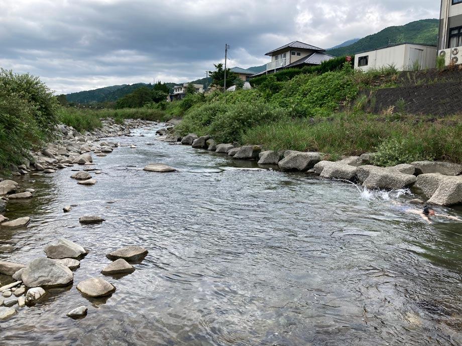 加子母の川
