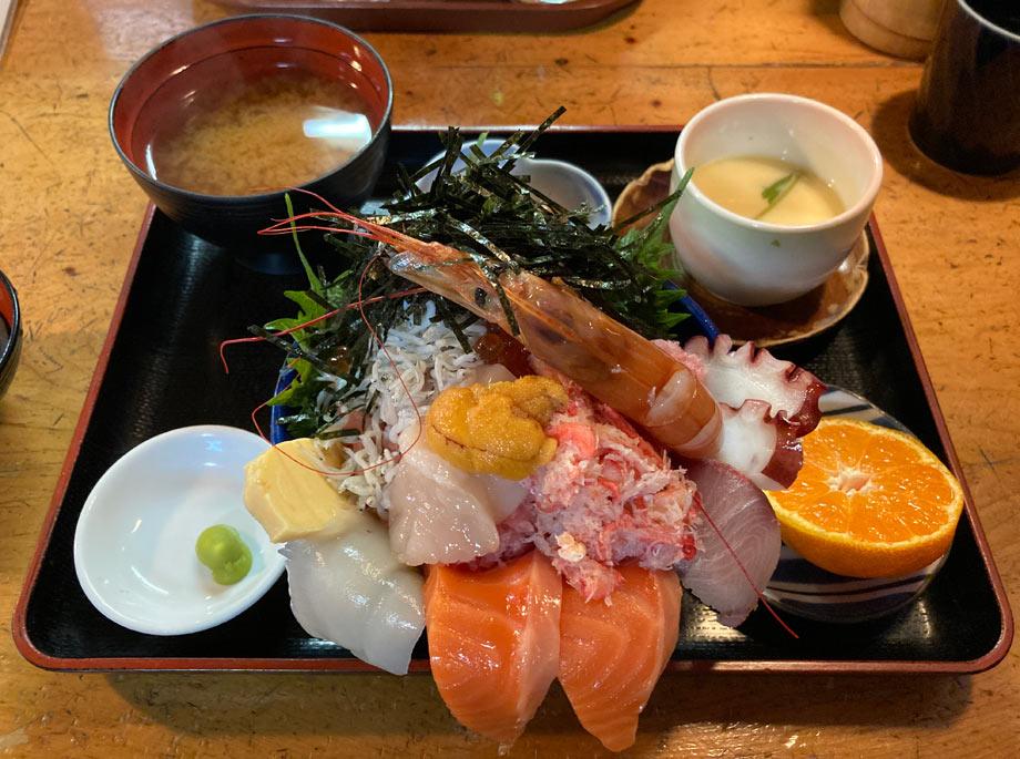 半田つれづれ海鮮丼